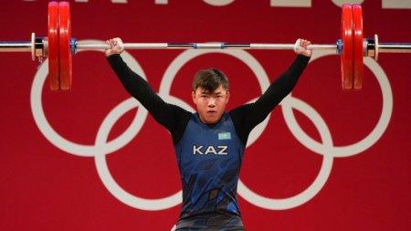 Тяжелоатлет принес вторую медаль в копилку Казахстана