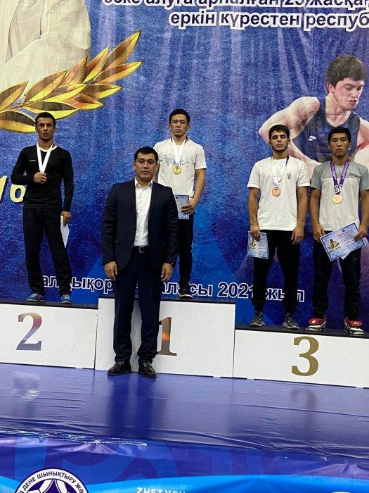 Спортсмены из Актау завоевали медали на республиканском турнире по вольной борьбе в Талдыкоргане